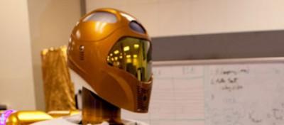 Un robot (quasi) in carne ed ossa nello spazio