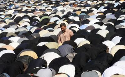 Sciiti in preghiera