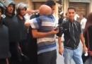 Gli egiziani che applaudono allo sgombero di piazza Tahrir