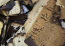 Le foto dei libri bruciati al Cairo