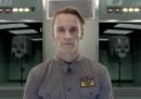 Michael Fassbender presenta l'androide David 8 per promuovere Prometheus