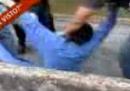 Il video e la storia del bambino prelevato dalla polizia a scuola