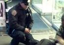 Il poliziotto e il senzatetto a New York