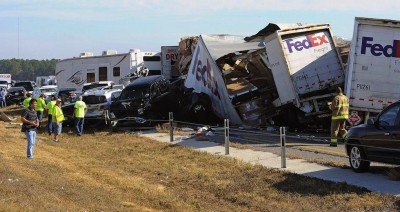 Texas, gigantesco incidente stradale