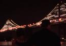 Il Bay Bridge, luminoso