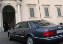 Roma, Marino ad assessori: Auto blu solo per incontri istituzionali