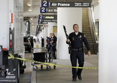 Assalto aeroporto Los Angeles