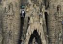 La protesta di Greenpeace sulla Sagrada Familia