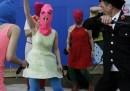 Il video delle Pussy Riot picchiate dai cosacchi