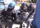 Il manifestante picchiato dalla polizia a Roma