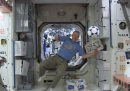 Giocare a calcio nello spazio (e guardare i Mondiali)