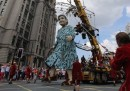 Le marionette giganti a Liverpool, in Inghilterra