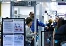 I nuovi controlli sui cellulari negli aeroporti