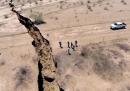 L'enorme crepa nel terreno in Messico