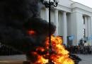 Proteste e scontri davanti al Parlamento di Kiev