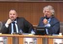Lo scontro tra Grillo e un giornalista a Bruxelles