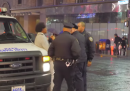 Il video dell'uomo afroamericano maltrattato dai poliziotti a New York solo perché stava ballando