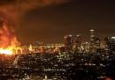 Il grande incendio nel centro di Los Angeles