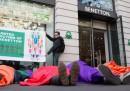 Il Gruppo Benetton ha accettato di partecipare a una raccolta fondi per i familiari dei morti nel crollo della fabbrica di vestiti a Dacca