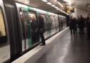 Il video dei tifosi del Chelsea che impediscono a un uomo nero di prendere la metro