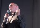 Il video di Varoufakis che non mostra il dito medio era finto