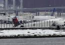 L'aereo uscito di pista all'aeroporto di New York