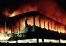 L'incendio all'aeroporto di Fiumicino, le foto e il video