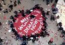 La protesta al Guggenheim di New York