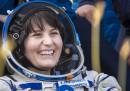 Samantha Cristoforetti è tornata sulla Terra