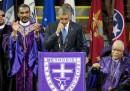 """Il video di Obama che canta """"Amazing Grace"""" nella chiesa di Charleston"""
