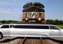 Lo scontro tra un treno e una limousine