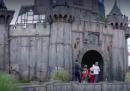 """Lo spot di Dismaland, il parco """"divertimenti"""" di Banksy"""
