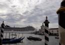 La mostra fotografica di Gianni Berengo Gardin sulle grandi navi a Venezia si farà al Negozio Olivetti di Venezia, dopo essere stata sospesa ad agosto dal sindaco Luigi Brugnaro