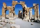 L'ISIS ha distrutto l'arco di trionfo di Palmira