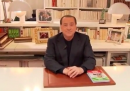 Berlusconi che mostra la sua villa di Arcore