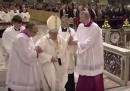 L'inciampo di papa Francesco, il secondo in tre giorni