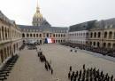 La cerimonia per i morti negli attentati di Parigi