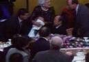 Quella volta che George H. W. Bush vomitò sul primo ministro giapponese, 25 anni fa