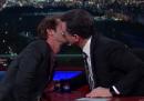 Il video del bacio fra Stephen Colbert e Andrew Garfield