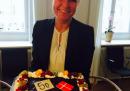 La ministra danese per l'Integrazione ha festeggiato con una torta le leggi contro gli immigrati