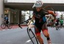 Cosa succede se metti insieme ciclismo e vento a oltre 100 chilometri all'ora?