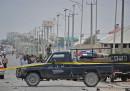 Almeno 15 persone sono morte nell'esplosione di una bomba a Mogadiscio, in Somalia