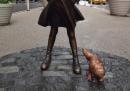 Ora c'è anche la statua di un cane vicino alla Fearless Girl e al Toro di New York