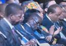 Robert Mugabe sta solo riposando gli occhi