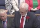 Ora in Parlamento è Corbyn a prendere in giro May