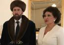 Nicolas Cage, un vestito tradizionale kazako e il disagio