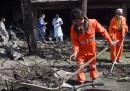 Un attentato suicida rivendicato dai talebani ha ucciso almeno 24 persone a Kabul, in Afghanistan