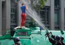 Le foto degli scontri al G20 di Amburgo