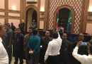 Alcuni militari in borghese hanno occupato il parlamento delle Maldive per evitare un voto di sfiducia