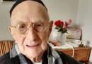 È morto Yisrael Kristal, l'uomo più vecchio del mondo: aveva 113 anni ed era sopravvissuto ad Auschwitz